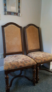 Set of 2 Antiques Roadshow Chairs