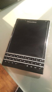 Blackberry Passport in great condition with box UNLOCKED