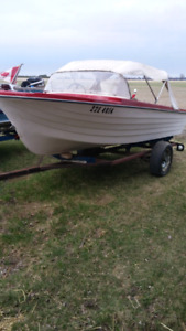 Boat and trailer 300$