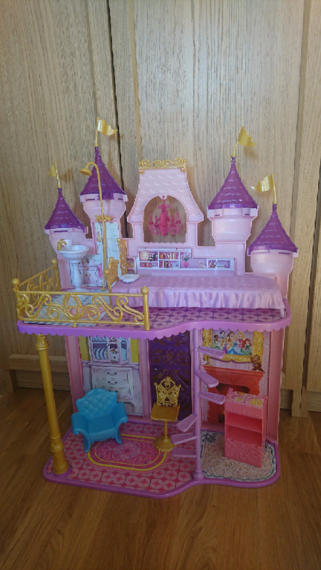 Disney Princess Castle With Some Furniture In Seaton Delaval Tyne And Wear Gumtree