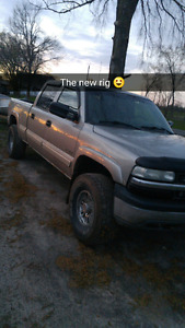 02 Chevy 1500hd 4x4 crew cab
