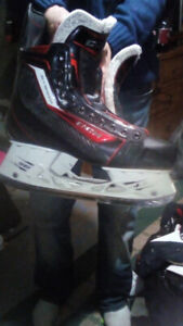 Nearly New CCM 10.5 skates MUST GO!