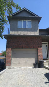 Spacious Bright 2 Bedroom Lower Unit