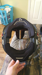 Leat neck brace and fox knee pads best offer !
