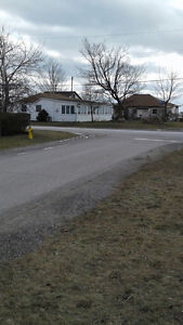 2 winterize lakefront cottages on one property in port Bruce London Ontario image 1