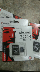 NEW Kingston MicroSD Card With SD Adapter Class 10, 32GB