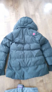 Winter coat and snow pants for girl age 6 to 7 West Island Greater Montréal image 3