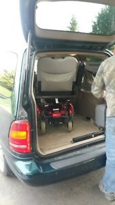 1998 Ford Windstar LX Minivan with Jazzy Chair and Hoist