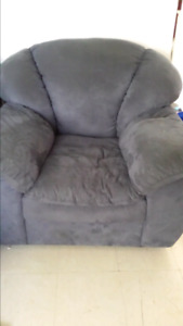 3 pcs  couch love seat, chair good cond free coffee table
