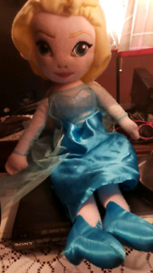 Singing frozen doll with matching blanket