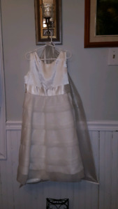 Dress holly communion or wedding party size 8 to 10