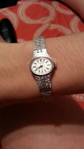LADIES SEIKO MANUAL WIND WATCH - SILVER BRACELET