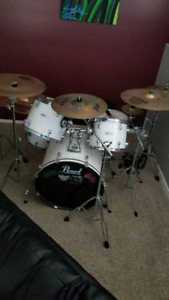 Pearl kit with sabian cymbals