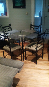 Glass table and chairs 100obo