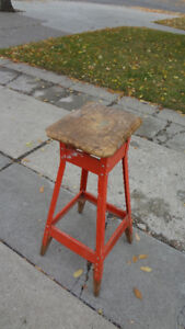 Vintage Metal Stool with Wooden Seat GREAT SHABBY CHIC PROJECT