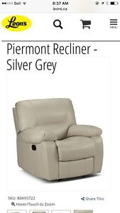 Reclining leather sofa, loveseat and chair. Peterborough Peterborough Area image 5