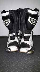 Teknic armoured boots - size 10