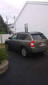 Jeep compass 2007 negotiable.!