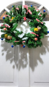 HANDMADE HOLIDAY WREATH & REAL SPRUCE ACCENTS London Ontario image 1