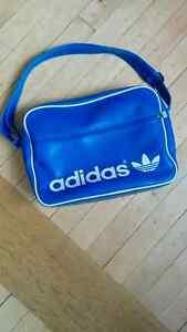 Unisex Messenger Shoulder Bag: Adidas Originals AC AIRLINER