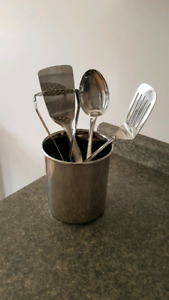 Utensil Holder (with Utensils if wanted)
