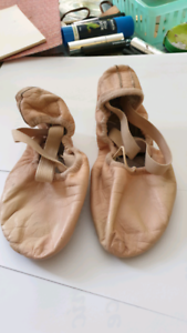 BLOCH Ballet shoes size 22cm good condition Windsor Gardens Port Adelaide Area Preview