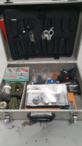 Air brushes and tools