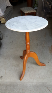 ANTIQUE MARBLE TOPPED ACCENT TABLE