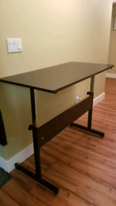 Adjustable height desk(sit or stand)