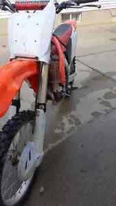 Honda 2002 crf 450 r  dirtbike 1700 obo