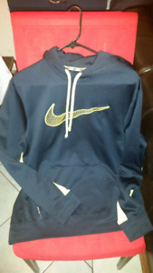 Nike men's size med.