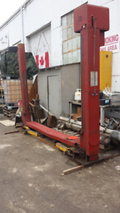 Used Red Tru-lift Electric-Hydraulic Two Post Lift Hoist