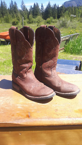 Size 4 Boulet leather boots