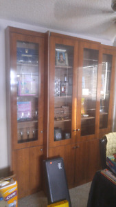Beautiful 3 piece hutch