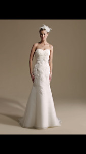 Stunning Kenneth Winston wedding dress