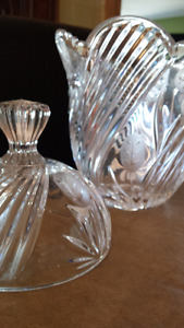 Chrystal vase with lid