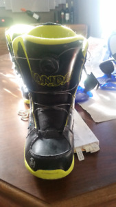 Kids snowboard boots and bindings