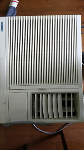 Climatiseur Danby DAC7003 Air Conditioner