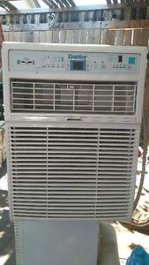 virtical  air condition    10000 BTU