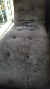 Comfy ,relaxing chaise lounge