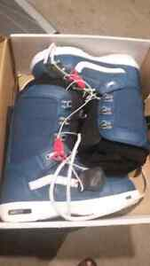 Vans snowboard boots used twice