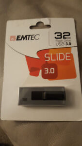 EMTEC Slide 32GB USB 3.0 Flash Drive - Brand New in the Package