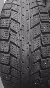 4 215/60/16 studded winter tires