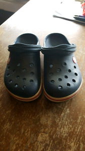 CROCS kids size 12/13