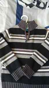 Boys Heavy Sweater Size 4/5 Kitchener / Waterloo Kitchener Area image 1