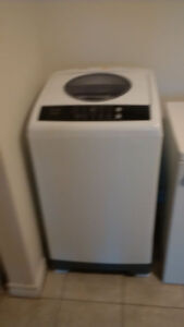 Apartment size Washer ans Dryer