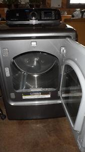 Samsung Dryer w Steam