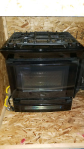 Electrolux gas range with electric oven