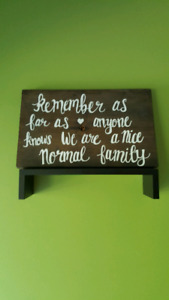 Wooden decor - sign - Family