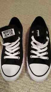 Black glitter converse(GREAT FOR BACK TO SCHOOL)